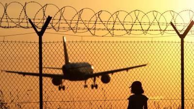 Авиасообщение с Турцией могут ограничить на месяц из-за коронавируса
