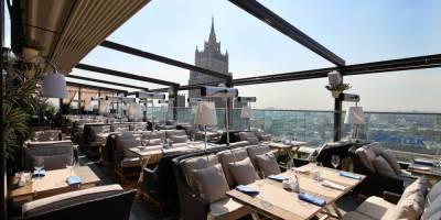 Власти Москвы не будут ограничивать работу ресторанов и магазинов с 1 по 10 мая