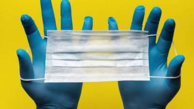 Медики США рекомендуют вакцинированным носить маски